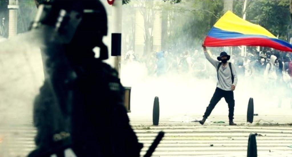 Represión Pueblo Colombiano avi655